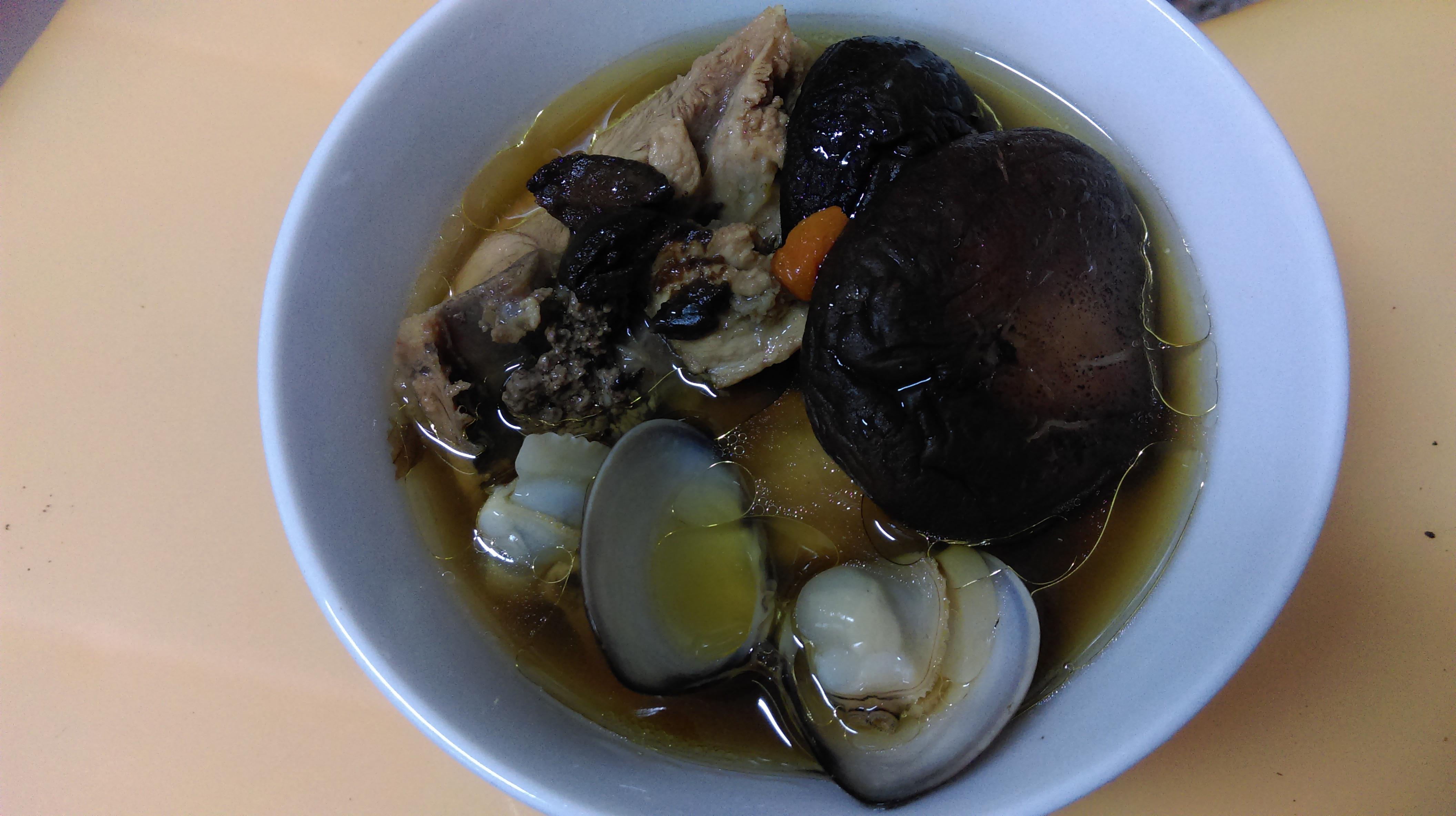 超簡單~黑蒜頭雞湯
