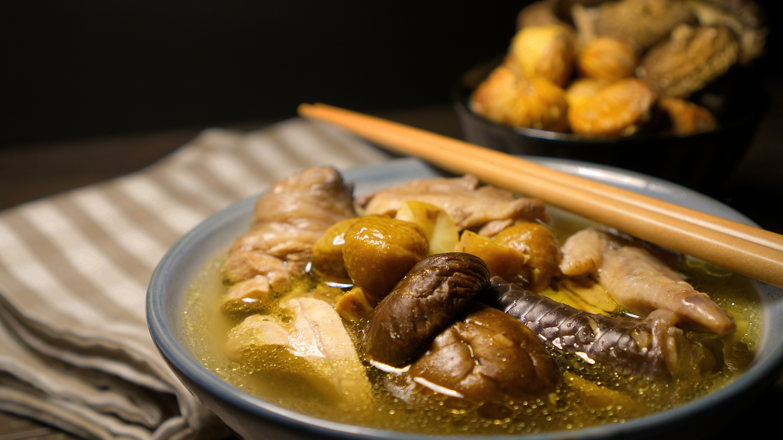 立冬 : 栗子香菇雞湯