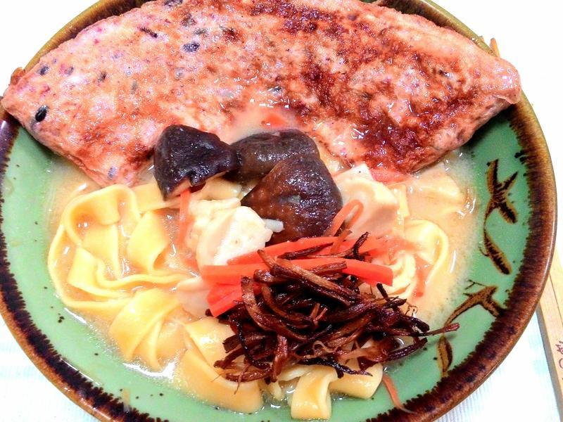 寶螺一鍋煮--台味豚骨麵佐紅麴蛋