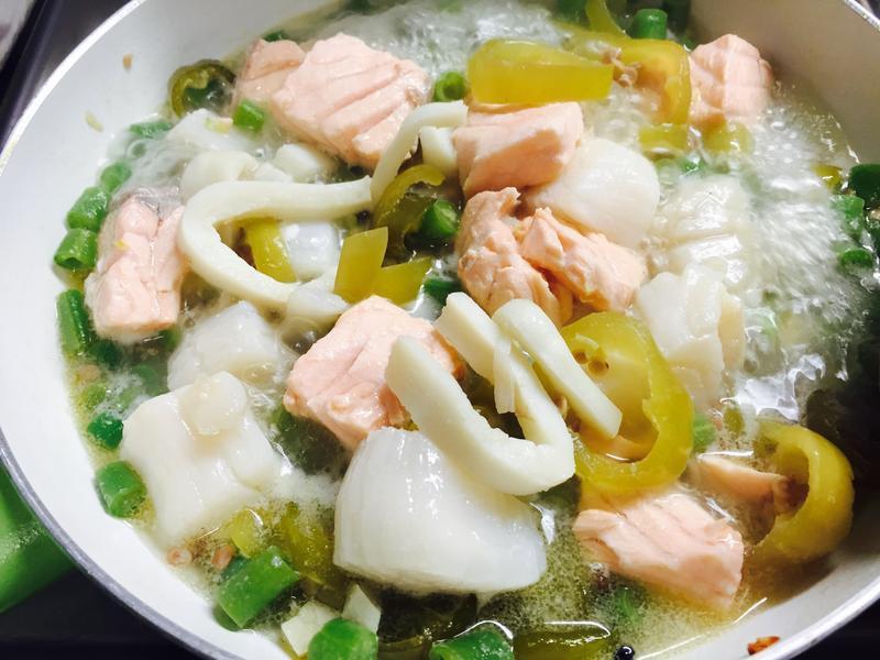 泡椒煮鮭魚