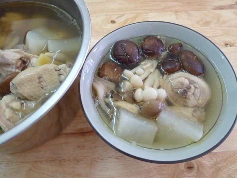 菇菇蘿蔔雞湯~(歡慶大同電鍋55週年)