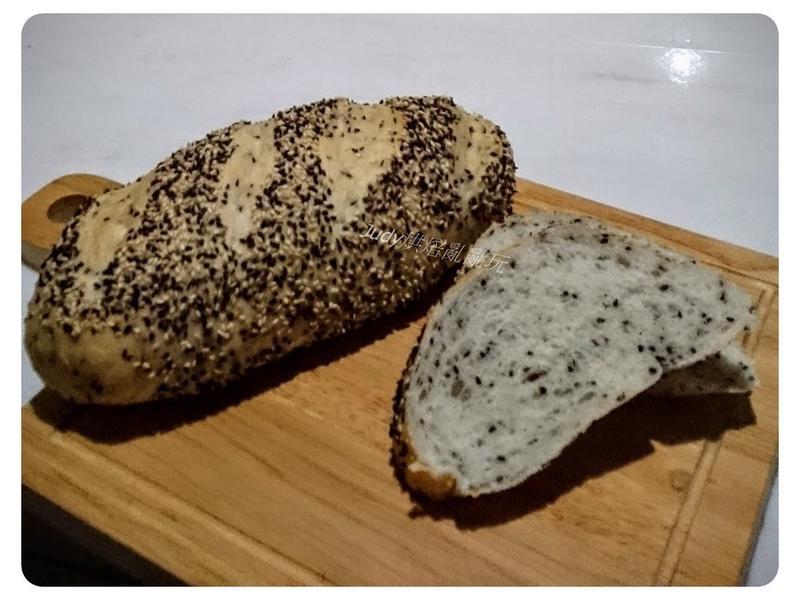 芝蔴優格麵包