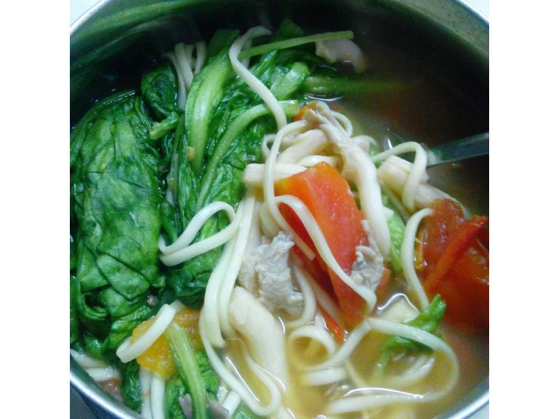 10分鐘上菜-蕃茄菇菇麵
