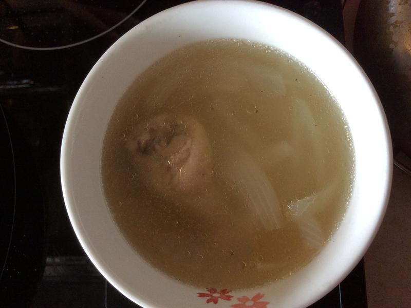 洋蔥雞湯(電鍋版)