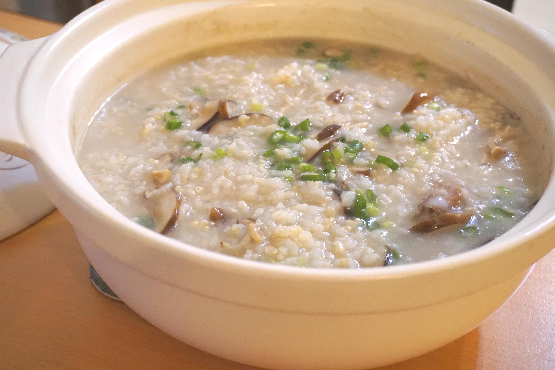 香菇糙米肉骨粥《家樂福廚神大賽2015》