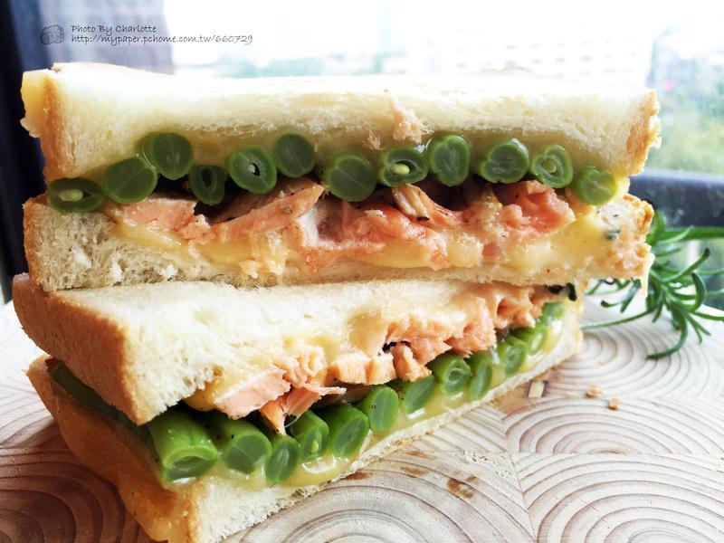 迷迭香鮭魚四季豆三明治