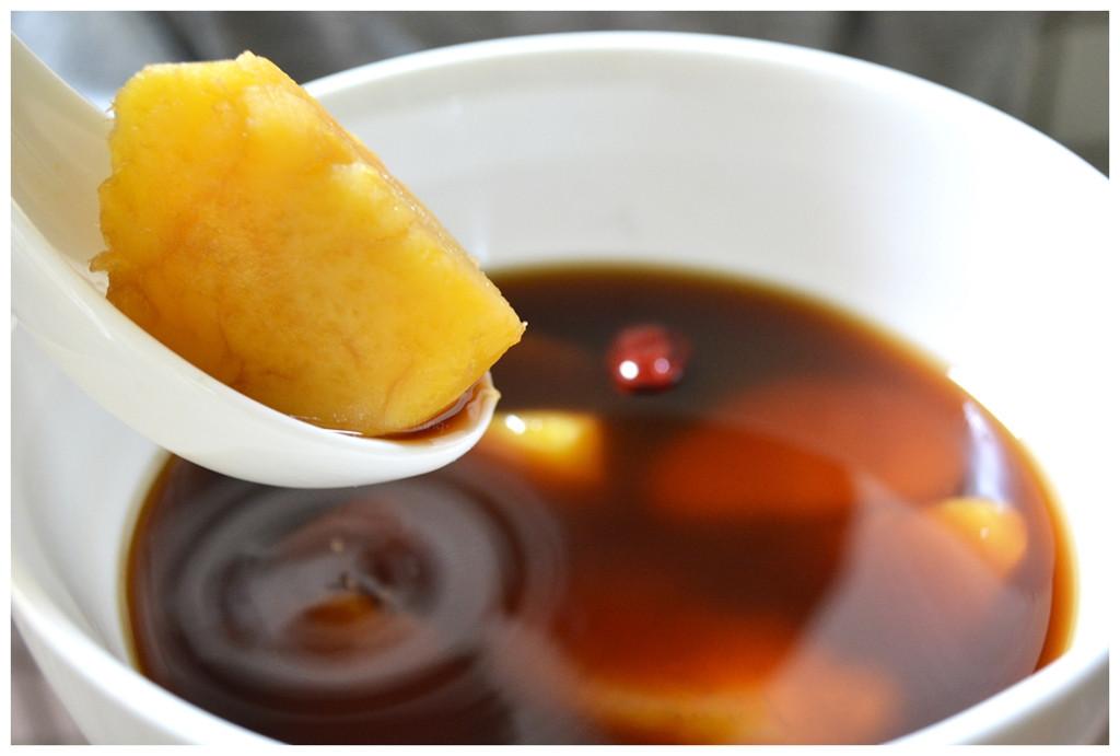 黑糖薑汁紅棗地瓜甜湯