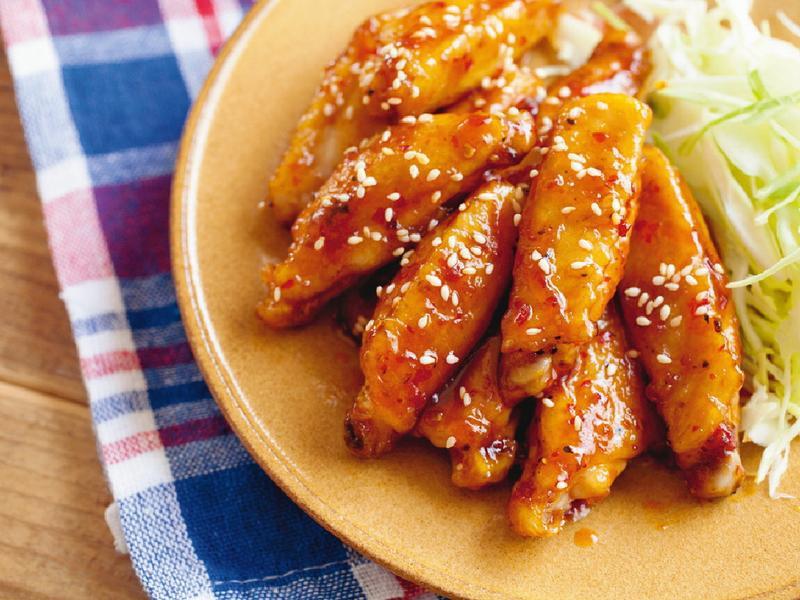 東販小食堂:日日元氣飯糰 辣炒雞翅中段
