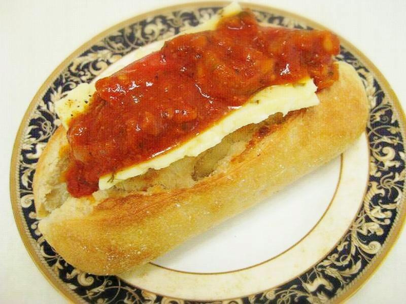 墨西哥番茄辣醬熱狗堡