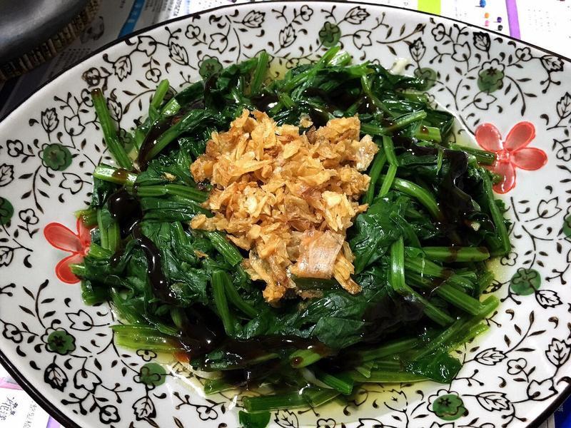 蒜香油蔥酥波菜