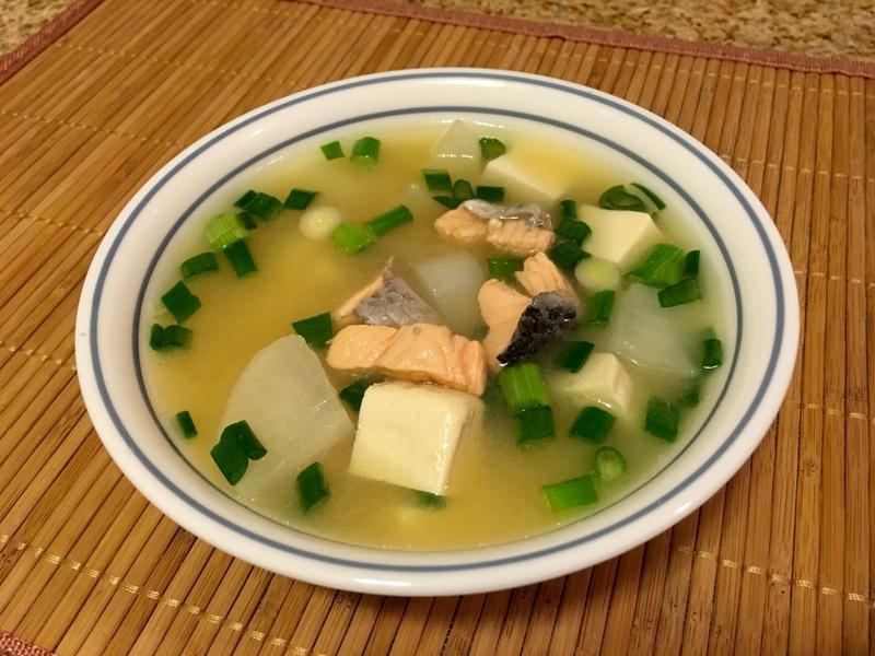 白蘿蔔鮭魚味增湯