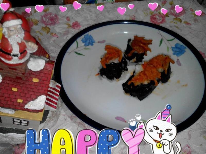 泡菜鮭魚壽司和波霸奶茶(小七派對美食)