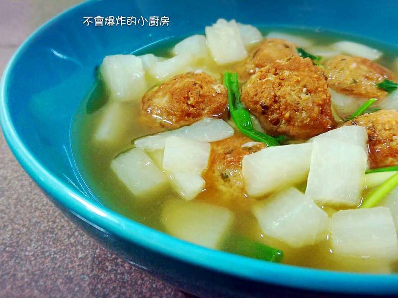 白蘿蔔肉丸湯(電飯鍋)