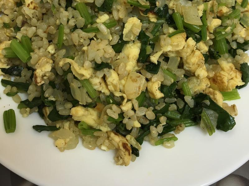 波菜洋蔥蛋炒飯