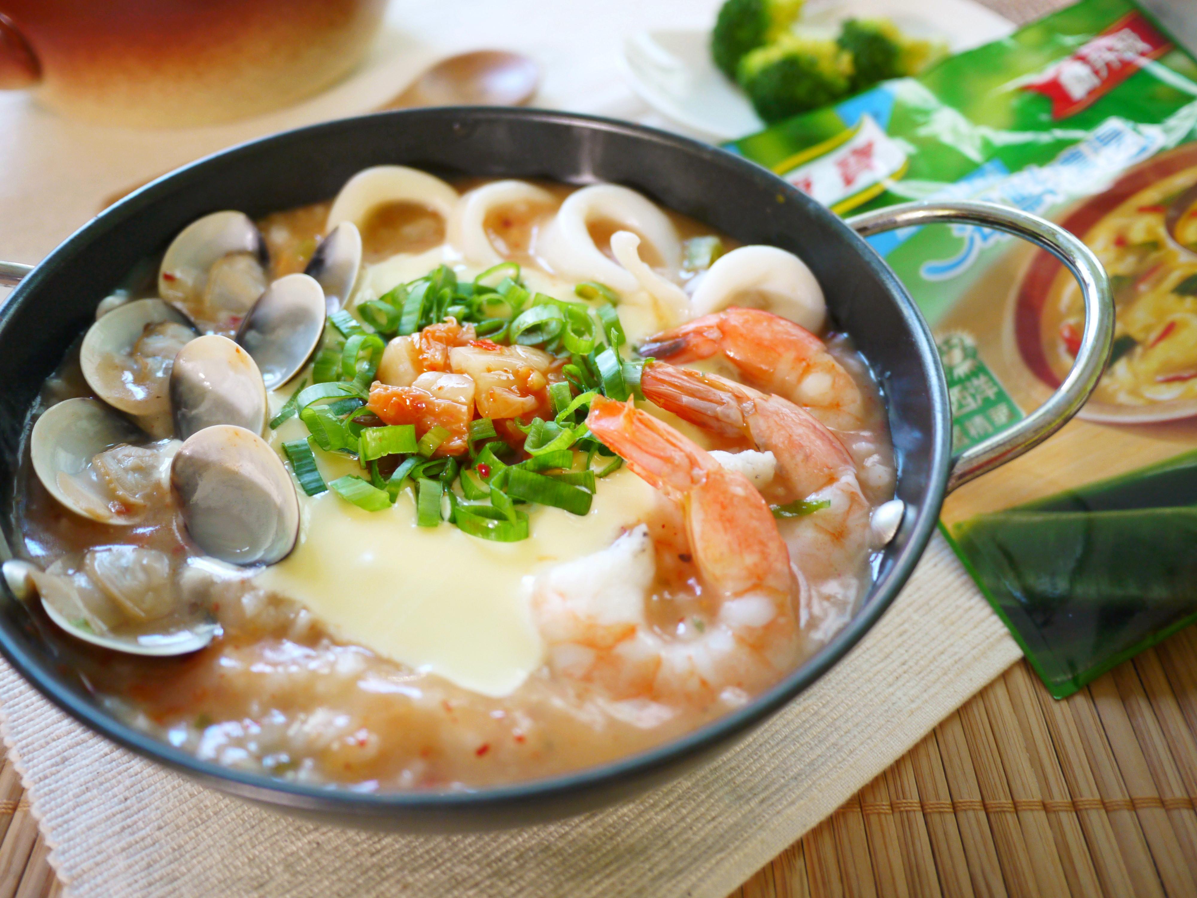 十分鐘!泡菜海鮮起司粥