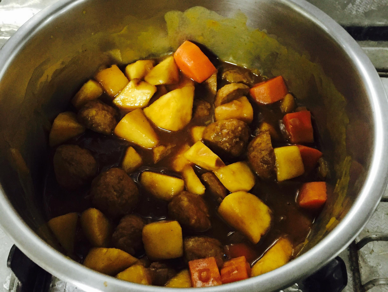 蘋果牛肉丸簡易咖喱