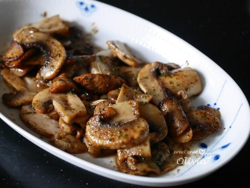 Olivia♥奶油炒蘑菇