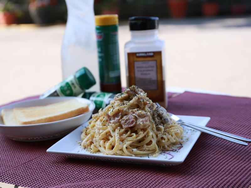 白醬蘑菇培根義大利麵