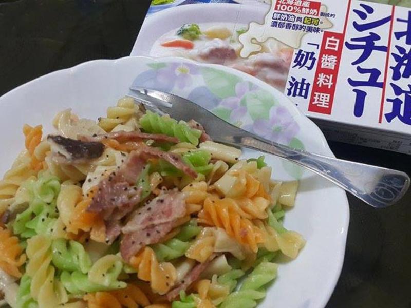 電鍋版義大利麵【好侍北海道白醬料理】