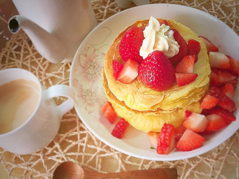 奶油草莓千層pancake