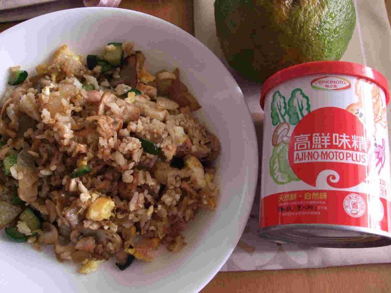 鹽漬鮭魚炒飯~「味之素品牌」高鮮味精