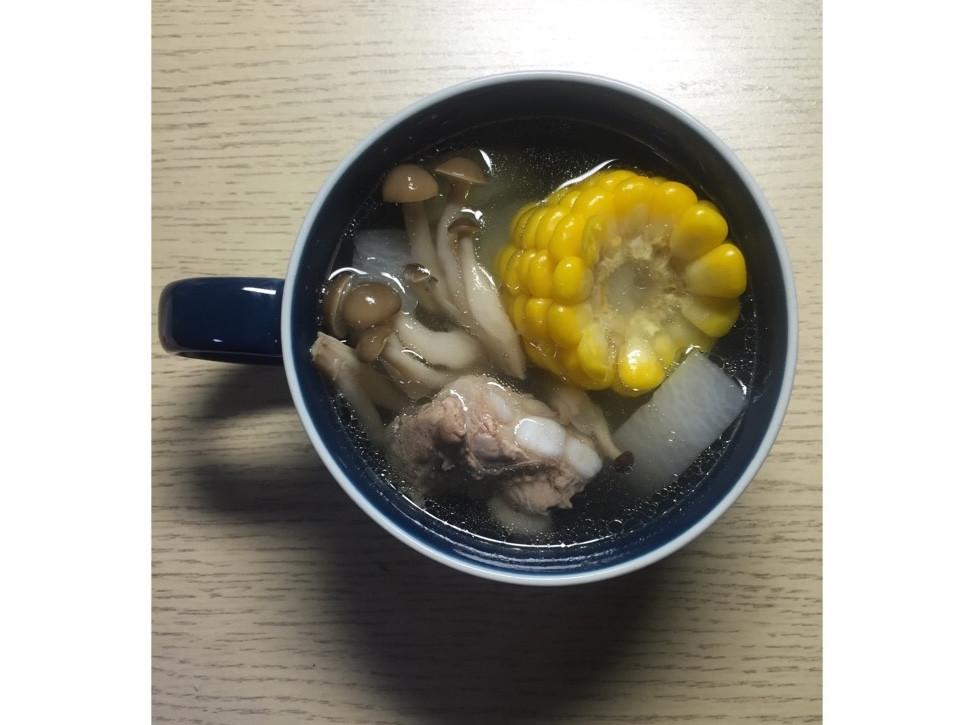 【大同電鍋】蘿蔔玉米鮮菇排骨湯