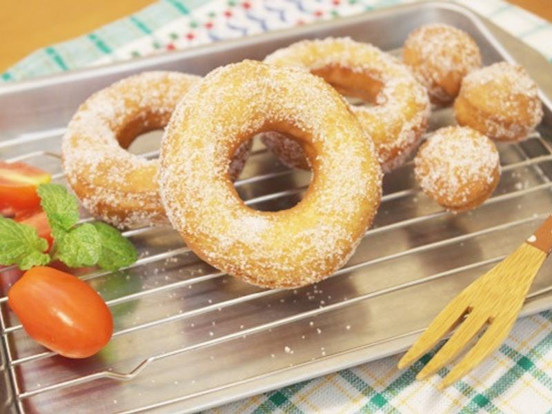 用鬆餅粉做「甜甜圈」- 嚐一口兒時回憶!