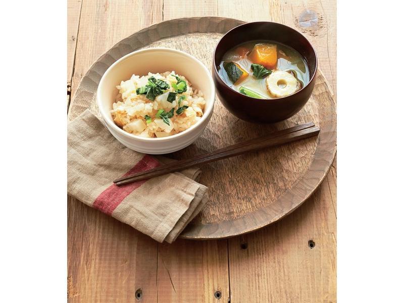 LE CREUSET蘿蔔蒸飯佐冬蔬味增湯