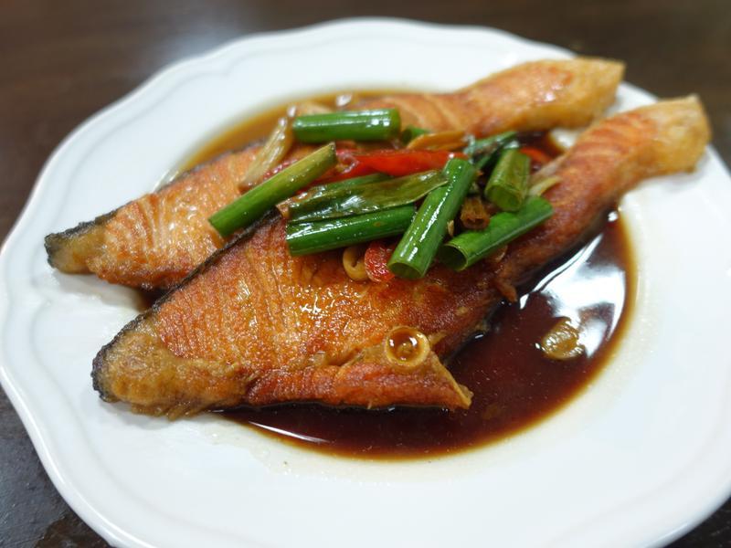 簡單燒好魚-紅燒鮭魚
