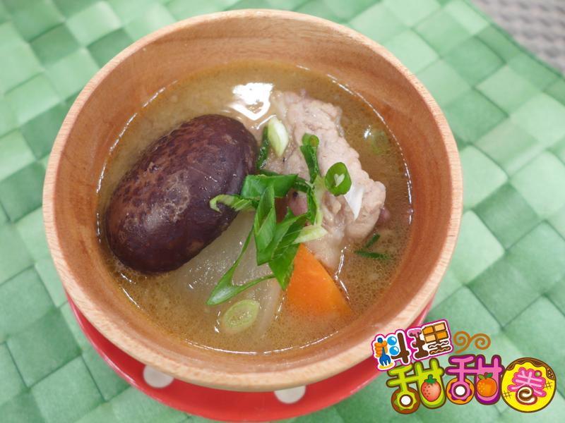 料理甜甜圈【暖暖心料理】味噌豚汁煮
