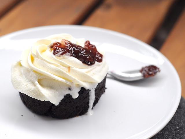 鮮奶油覆盆子巧克力蛋糕