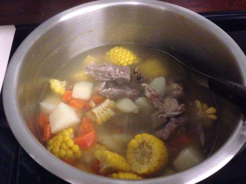 馬鈴薯玉米排骨湯