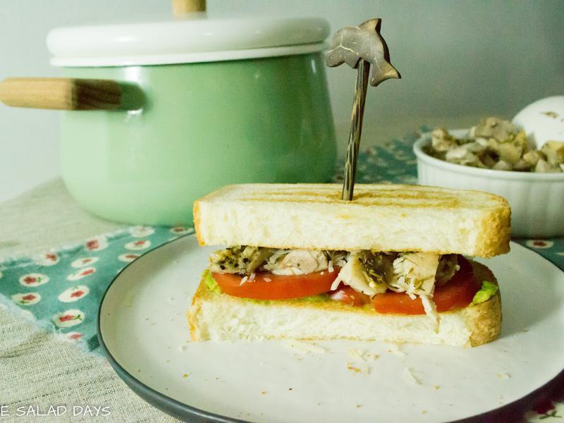 牛油果蕃茄焼鶏三明治