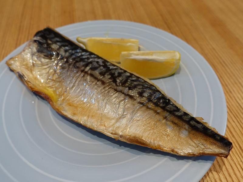 鹽烤鯖魚。挪威薄鹽鯖魚
