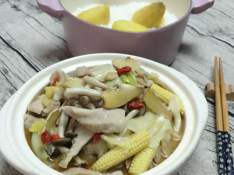麻油高麗菜菇菇松阪豬