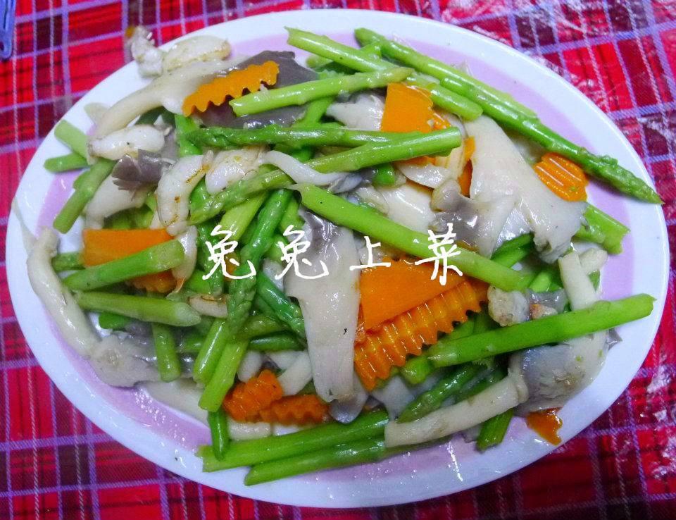 菇菇炒蘆筍