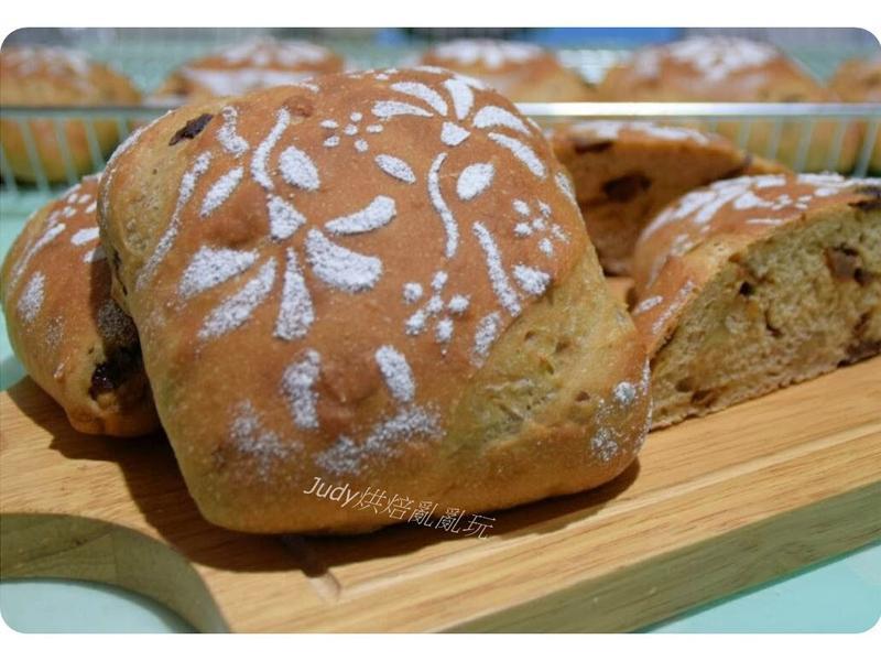 酒釀桂圓核桃麵包(高梁酒、老麵+湯種)