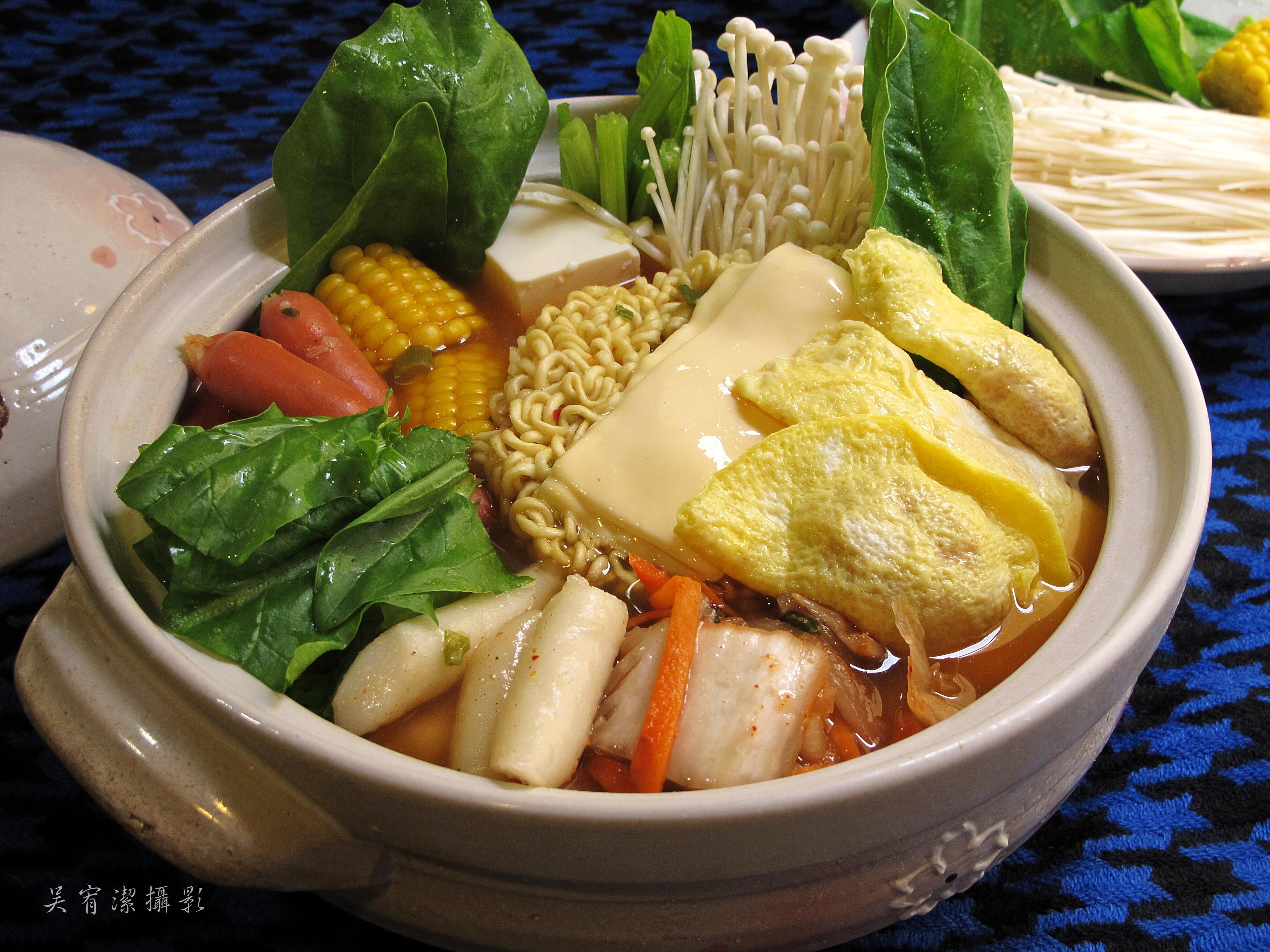 韓國部隊鍋。自製手工蛋餃。全聯料理王大賽
