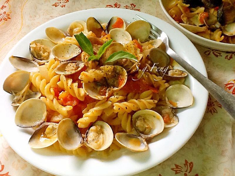 蕃茄蛤蠣螺旋麵