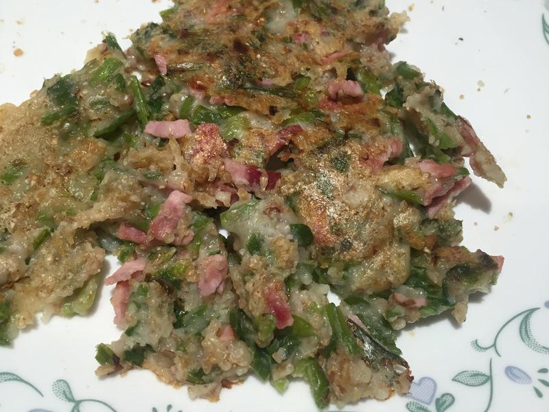邊做邊吃~韮菜火腿薄煎餅😄免揉方便反版