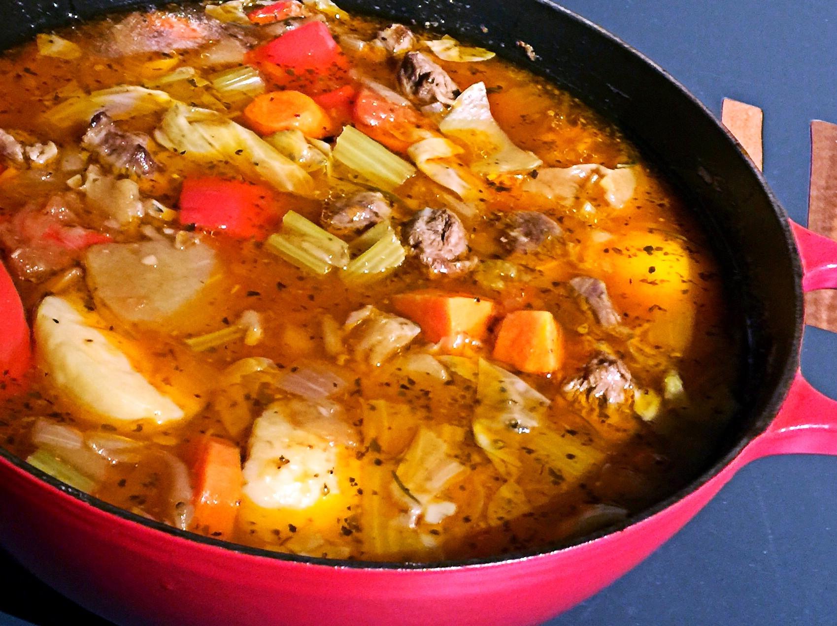 充滿能量的聚餐必煮「義式牛肉綜合蔬菜湯」