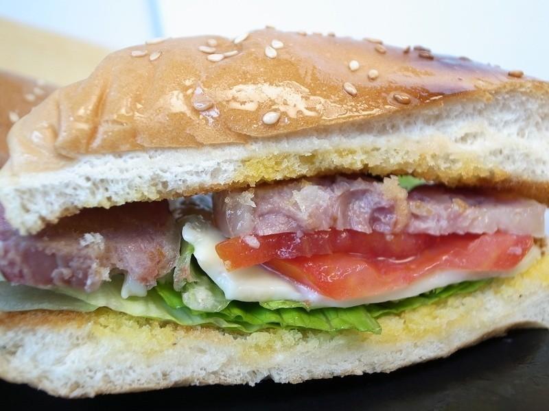 【朱記食譜】香腸漢堡