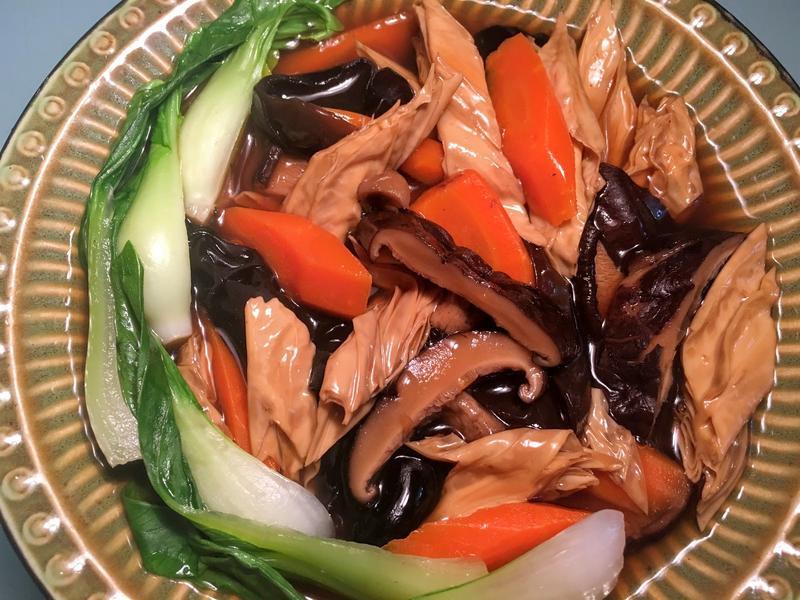 純素年菜~香菇木耳腐竹煲