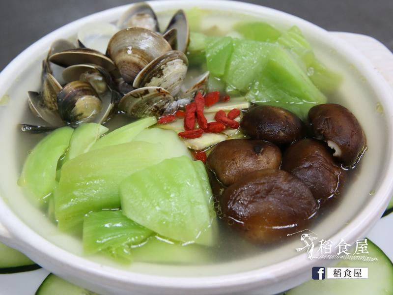 鮮味刈菜雞湯
