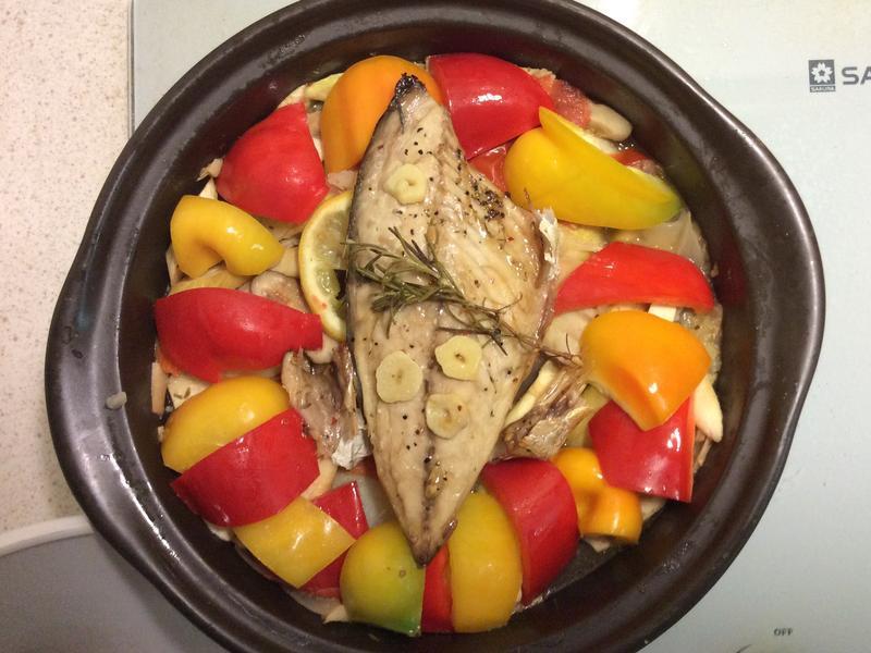 地中海風味鹹魚蔬菜塔吉鍋
