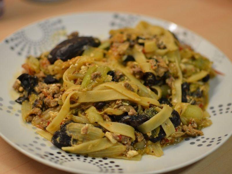 [留學生五分鐘料理] 蔬菜絞肉義大利麵