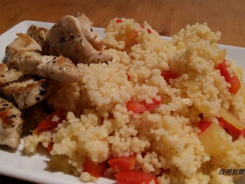 香煎雞肉佐北非小米 (庫斯庫斯)