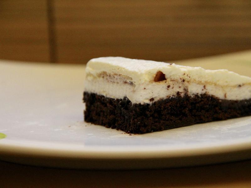 巧克力蛋白霜蛋糕