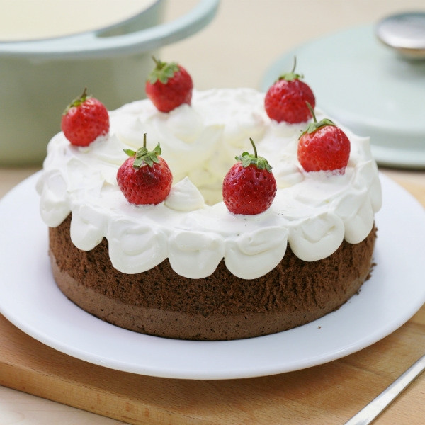 鑄鐵鍋草莓巧克力蛋糕
