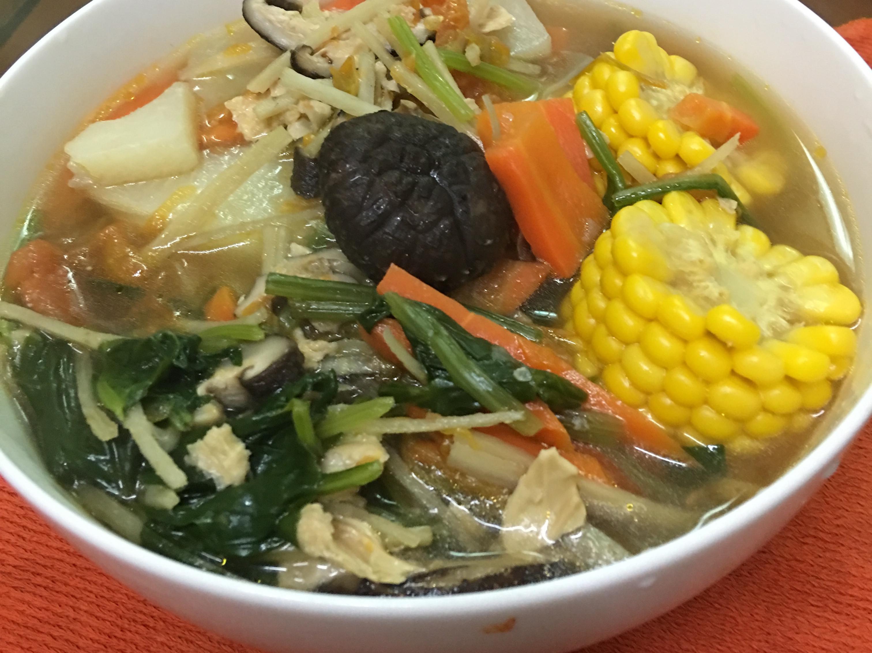 蕃茄玉米蔬菜湯麵